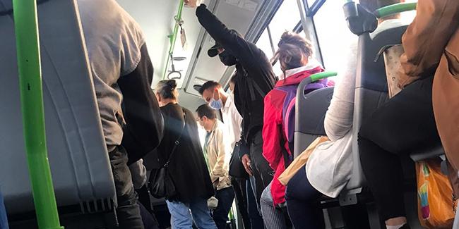 Kars'ta ayakta yolcu taşıyan dolmuşlara ceza yağdı | Karadeniz Gazetesi