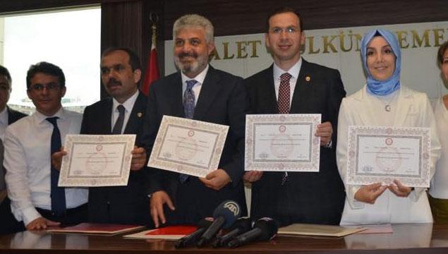 Trabzon Milletvekilleri Mazbatalarını Aldı | Karadeniz Gazetesi